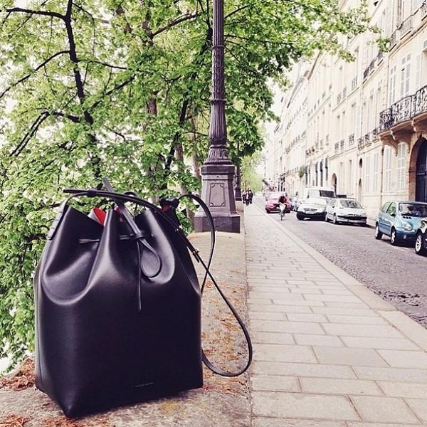 Mansur Gavriel Bucket Bag - Chiếc túi đang được