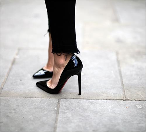 6 kiểu giày mọi cô nàng công sở cần có