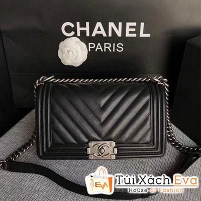 Túi Xách Chanel Boy Flap Bag Siêu Cấp Màu Đen Sọc V Da Lì Khóa Bạc  A67086