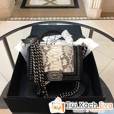 Túi Xách Chanel Boy Siêu Cấp Da Rắn Khóa Bạc Màu Trắng