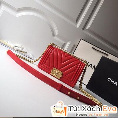 Túi Xách Chanel Boy Vân V Siêu Cấp Da Lì Khóa Vàng Khè Màu Đỏ