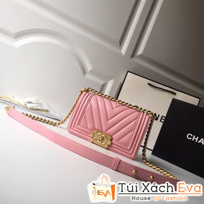 Túi Xách Chanel Boy Vân V Siêu Cấp Da Lì Khóa Vàng Khè Màu Hồng