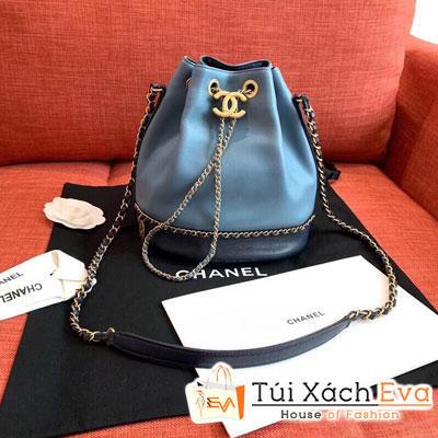 Túi Xách Chanel Drawstring Bag Siêu Cấp Màu Xanh Dương Nhạt  AS0373