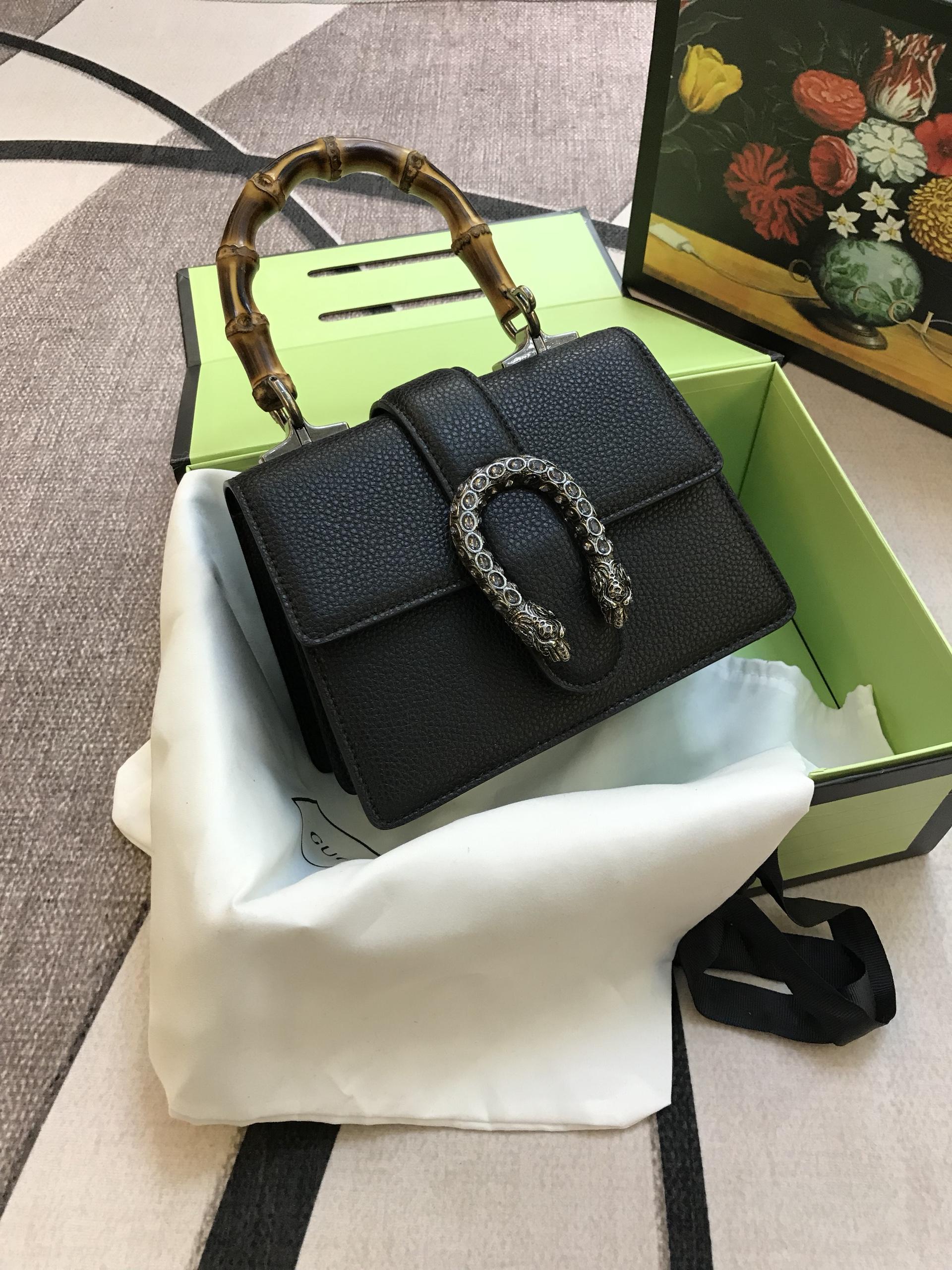 Túi Xách Gucci Super Sale Khóa Đầu Rắn Quai Trúc Màu Đen Sz 18 Cm