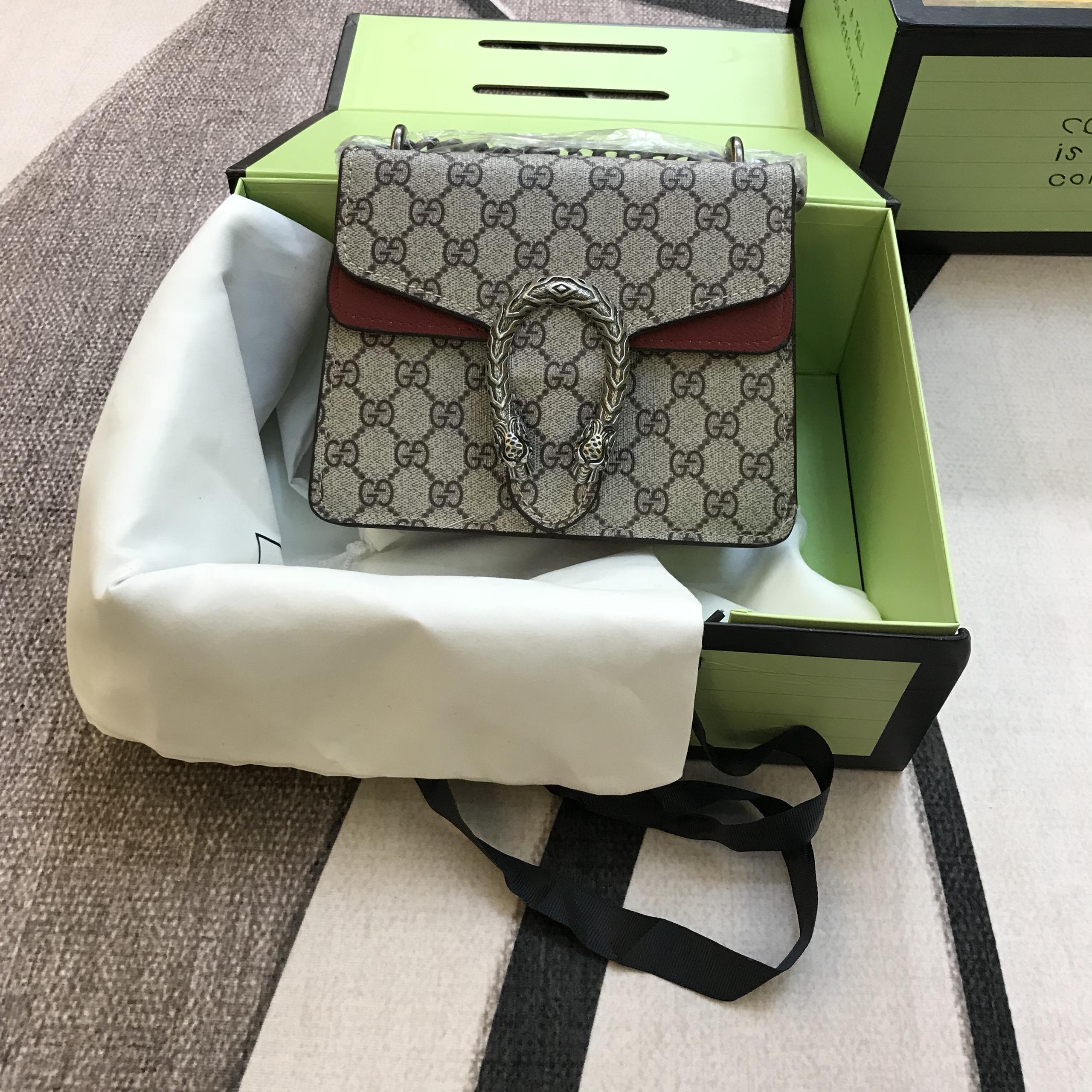Túi Xách Gucci Super Sale Khóa Đầu Rắn Sz 20Cm